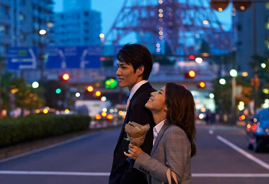 オンライン婚活パーティー_東京タワーカップル