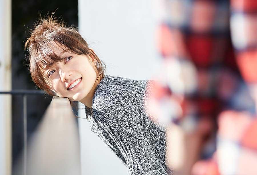 オンライン婚活パーティー_男性に微笑む女性